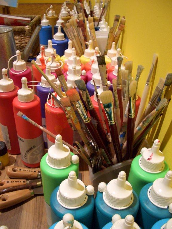 atelier_kreativatelier_farben_und_pinsel_gross